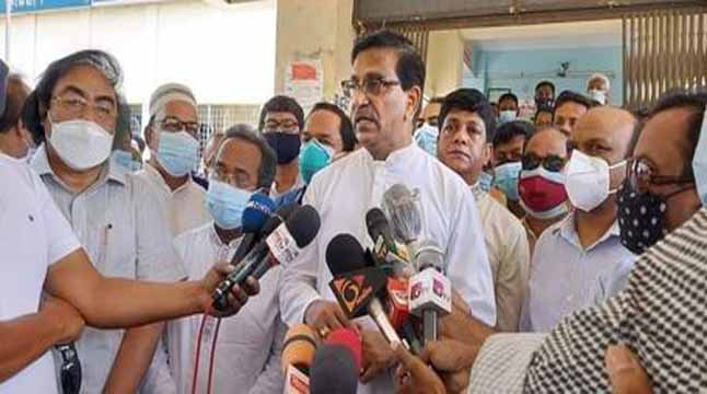 খালেদা জিয়ার চিকিৎসকদের সিদ্ধান্তকে গুরুত্ব দিচ্ছে সরকার: হানিফ