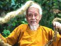 চুল কাটেননি ৮০ বছর, সাড়ে ১৬ ফুট লম্বা জট!