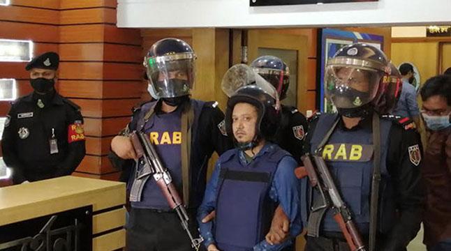 ২১ আগস্ট মঞ্চে গ্রেনেড ছোড়েন জঙ্গি ইকবাল: র্যাব