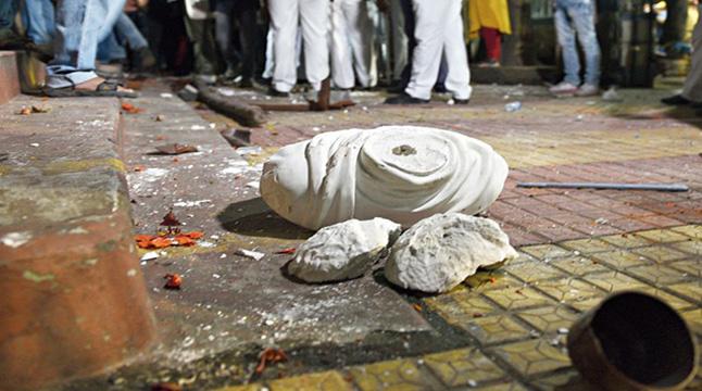 বিদ্যাসাগরের মূর্তি ভাঙলো 'বিজেপি', মমতার ক্ষমা প্রার্থনা