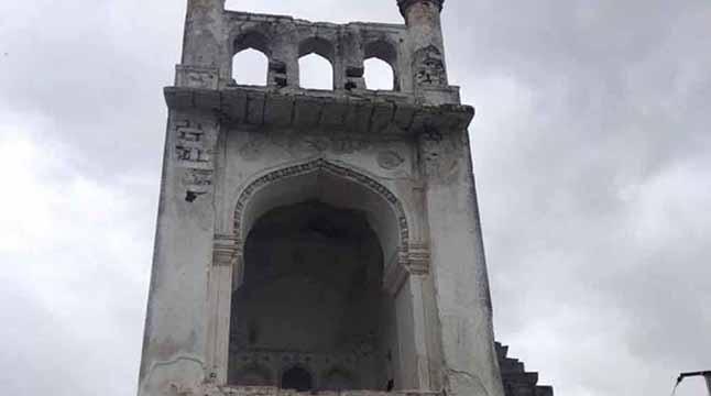 হায়দ্রাবাদে বিশ্বের ক্ষুদ্রতম মসজিদ