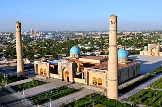 উজবেকিস্তানের রাজধানী তাসখন্দের ধর্মীয় কেন্দ্র 'খাস্ত-ইমাম কমপ্লেক্স'।