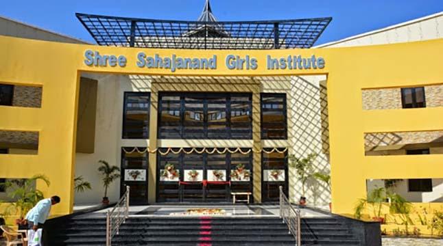 ভারতে কলেজে ৬৮ ছাত্রীর অন্তর্বাস খুলিয়ে হেনস্থা