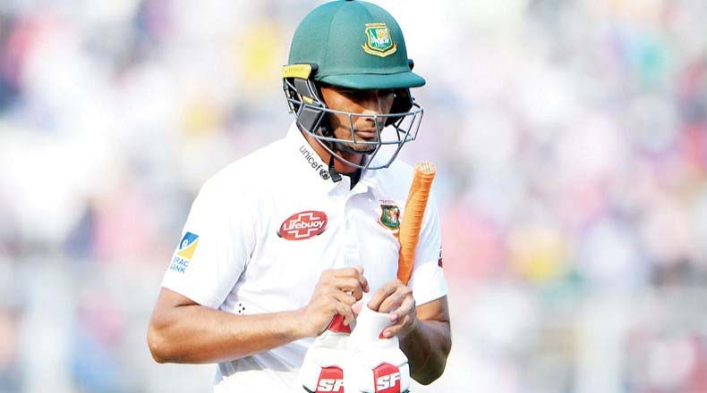টেস্ট দল থেকে বাদ পড়লেন মাহমুদউল্লাহ