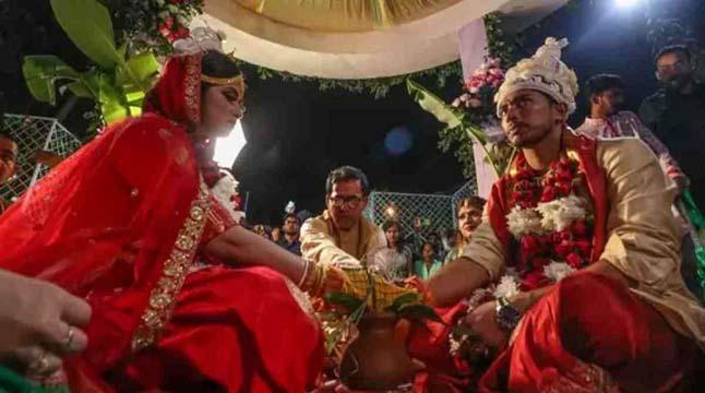 সৌম্যর বিয়েতে মোবাইল চুরি নিয়ে লঙ্কাকাণ্ড