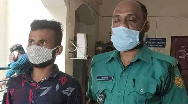 নৌবাহিনীর কর্মকর্তাকে মারধর: হাজী সেলিমের গাড়িচালক রিমান্ডে