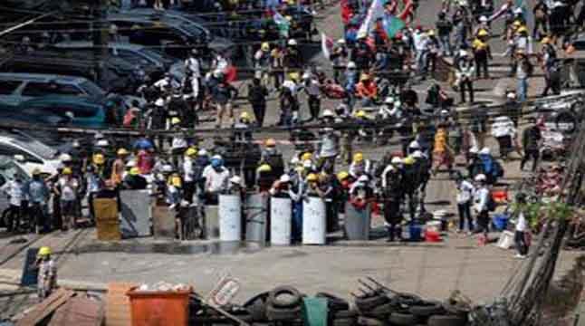 মিয়ানমারে জান্তা সরকারের বিরুদ্ধে কূটনীতিকদের বিদ্রোহ